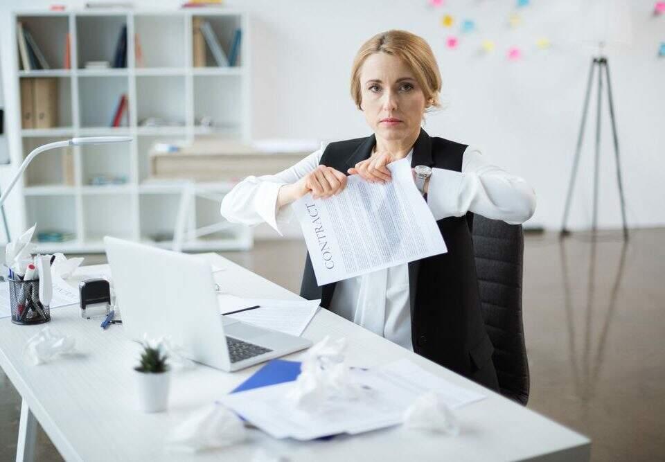 Entenda a diferença entre suspensão e interrupção do contrato de trabalho